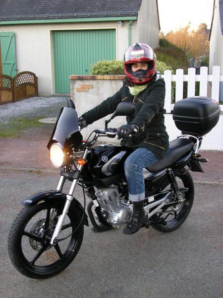 Sandrine - Yamaha 125 YBR